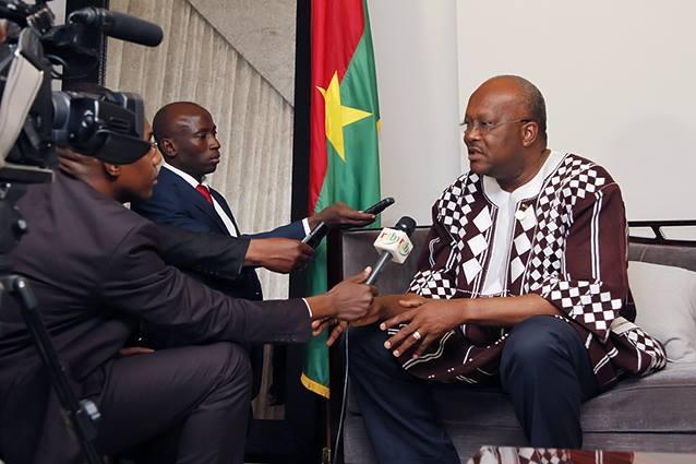 Etes vous pour que le Président du Burkina s'adresse à la population du pays en langue mooré ?